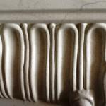 -portale-con-finitura-finto-marmo